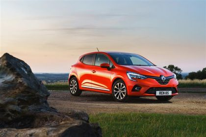 Renault Clio Hatchback Hatch 5Dr 1.5 Blue dCi 85PS S Edition 5Dr Manual [Start Stop] [Bose]