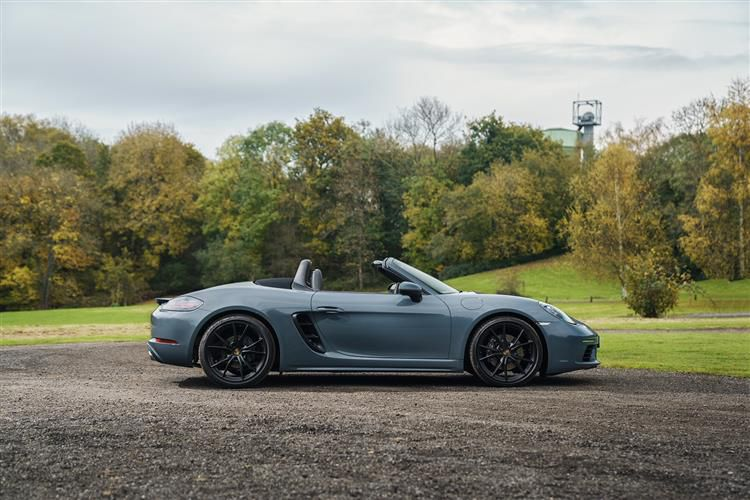 Porsche 718 Boxster Convertible 2.0 T 300PS T 2Dr Manual [Start Stop]